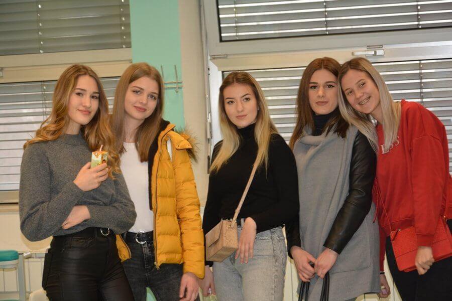 Obisk dijakov iz Zadra (E-MEDICA)